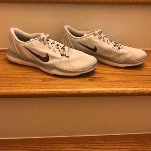 Nike Training Flex Supreme TR5 tennis shoes